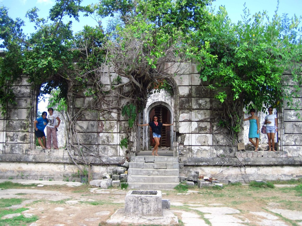 At the Guisi lighthouse ruins. Thanks Kim for this photo! =)