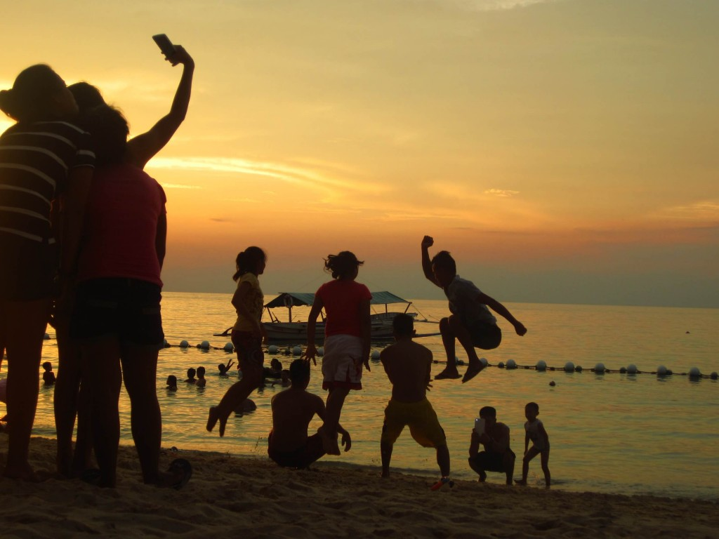 jump shots, selfies, sunsets. more fun in the philippines. :)
